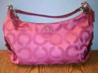 I am selling a beautiful authentic Coach purse, it