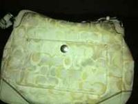 Authentic coach purse in good condition. There is a