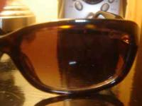 tortoise coach sunglasses in beautiful shape rarely