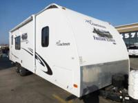 LIKE NEW, 2011, 31 ft. COACHMAN FREEDOM EXPRESS. FULLY