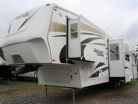 MUST LET GO OF THIS 2009 DREAM CATCHER 39FT. 5TH WHEEL
