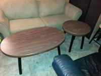 Sturdy, clean living room table set in excellent