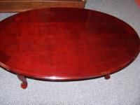 BEAUTIFUL CHERRY COCKTAIL / COFFEE TABLE. QUEEN ANNE