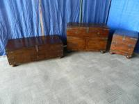 Coffee table,has 2 pull out trays wine bottle center