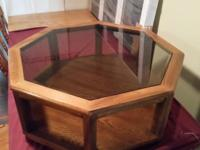 A beautiful an extremely sturdy solid oak coffee table.