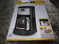 Coffee maker 12 cups programmable  $25  Brand new in