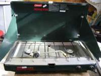 COLEMAN 2 BURNER PROPANE STOVE EXCELLENT CONDITION