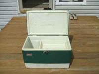 Coleman Cooler Vintage 1975 Very nice condition, clean.