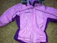 This is a Columbia down coat size is 3 Toddler. It is