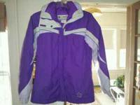 Very nice and warm Columbia Ski Coat size 14/16. Inside