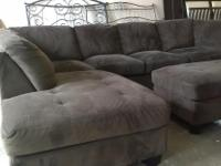 Type: Furniture Type: Sectional Sofa Come get this