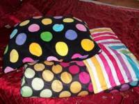 This is a pokadot pillow and comforter set. Please call
