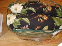 COMFORTER SET BY WAVERLY (Garden Images Pattern). The