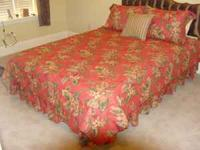 Full size comforter set. Set includes comforter, bed