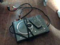 compact dvd cd n mp3 player with remote works 10$ takes