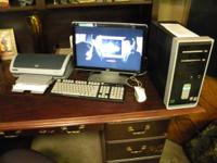 COMPAC SR2013WM COMPUTER SYSTEM TOWER AND THE HP 19 IN