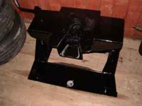 COMPLETE 20,000 pound pull fifth wheel hitch for a long