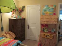 Type:Kids RoomsType:I have a complete girls room for