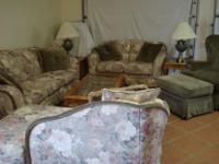 Type:Living RoomType:SetsComplete living room set.