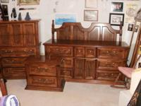 Complete 1979 vintage traditional queen bedroom suite