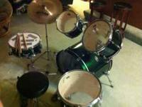 5 Piece drum set with hardware. This is a great deal