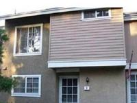 Gorgeous townhome in Woodbridge! Home is very well-kept