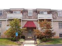 CONDOMINIUM FOR SALE: 175 Malabu Dr. Lexington, Ky. WE