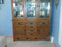 I'm selling a very nice table and hutch set. Asking