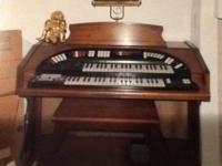 Conn theatrette organ with matching bench. Great organ