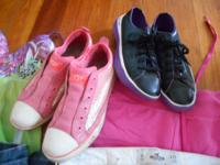 Hey there i have 2 pairs of shoes I am wanting to offer