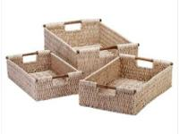 Securely woven corn husk baskets with lightweight