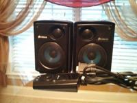 For sale is a 2.1 Corsair sp2500 presenter system. I've