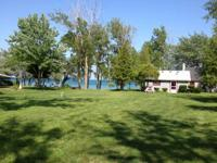 $140 Beachfront cottage open / last minute...1 1/2