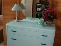 Cottage Style 3 Drawer Dresser with Round Beveled