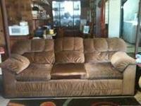 Comfortable Couch, Excellent condition! MUST GO ASAP!!!
