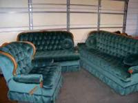Bench Mark matching green couch, Loveseat & Recliner in