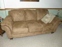 couch & recliner like new MOVING A gorgeousMATCHING set
