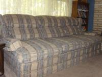 We are moving im selling a couch sofa queen sleeper no