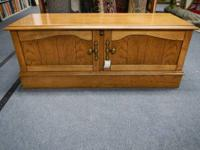 Lanes - Virginia Cleaning lady Cedar Chest with Oak