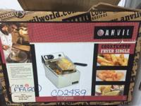 USED 2 BASKET DEEPFRYER IN LIKE NEW CONDITION Great for