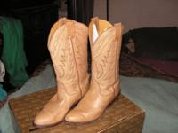 Beautiful Nocona Doe Skin... Highest riding heel you