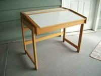 Great desk for crafters, artists or fly tiers or ???