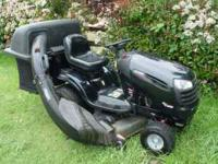 This Craftsman DYS 4500 Lawn Tractor is in Excellent