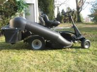 "2011 28"" Briggs & Stratton 12.5 hp Rear Engine Hi-Vac"