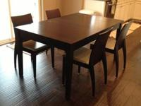 Great Condition Crate and Barrel Table with leaf