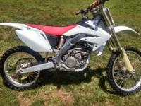 Selling my 2008 CRF250r very well maintained bike,
