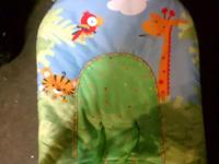 rainforrest themee crib bedding set picture gives