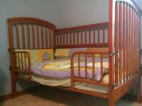 Selling a Crib/Toddler Bed - adjustable bottom with