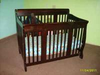 Very Nice Mahogany Crib in great shape. It is only