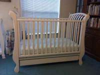 Italian-made Pali Paula Crib for sale. Crib features a